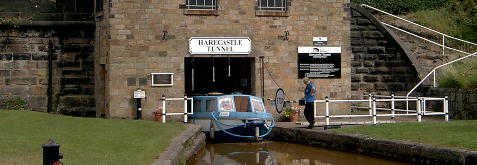 Narrowboat-Harecastle-Tunnel