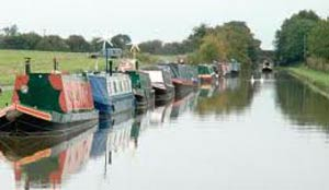 narrowboat moorings